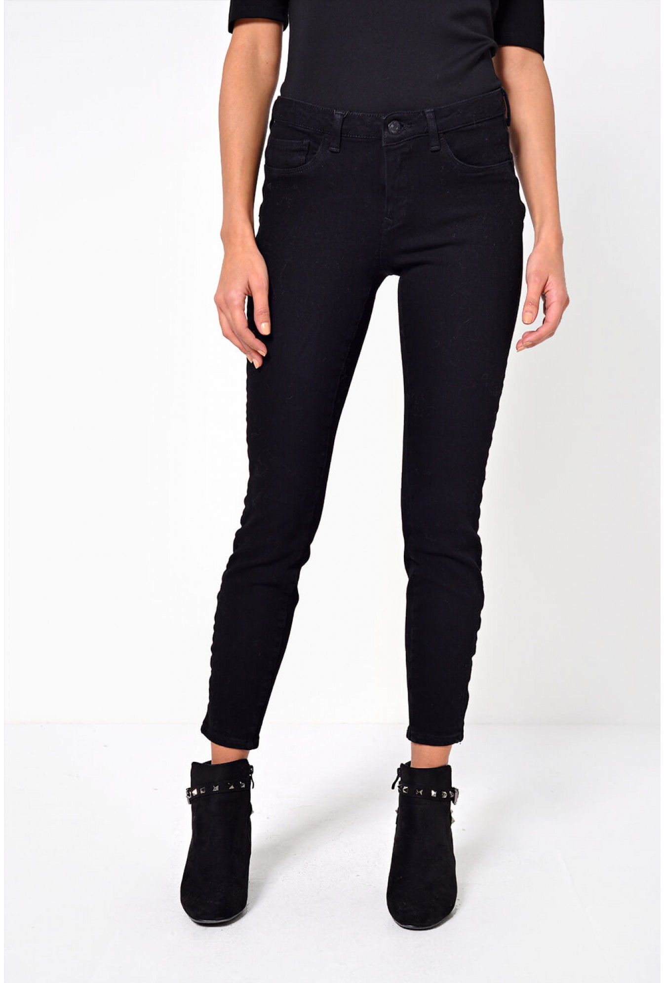 meet lower price with on feet images of Vero Moda Icon Regular Push Up Jeans in Black | iCLOTHING