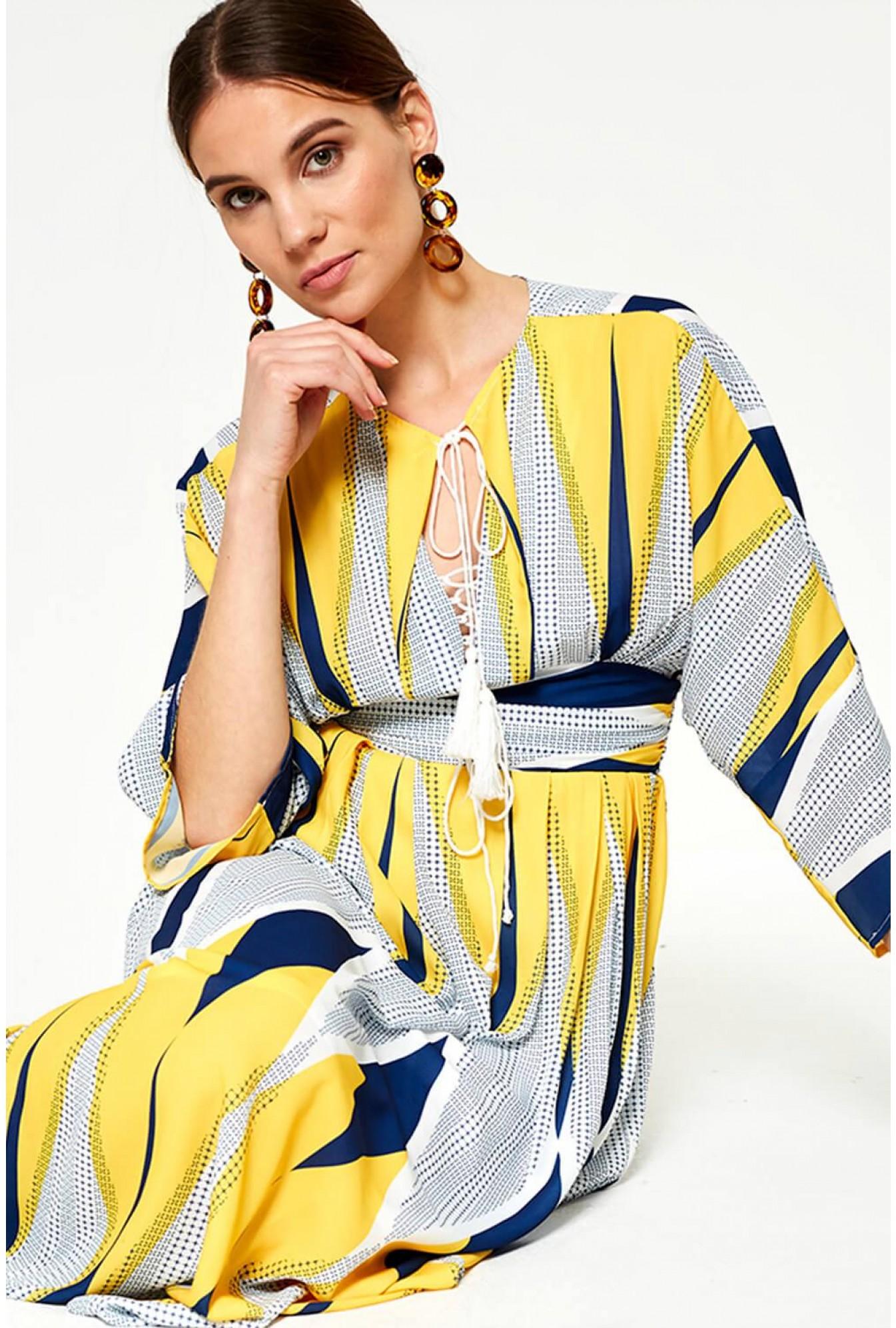 89ea428802f48 Darling Donatella Geometric Maxi Dress in Yellow | iCLOTHING