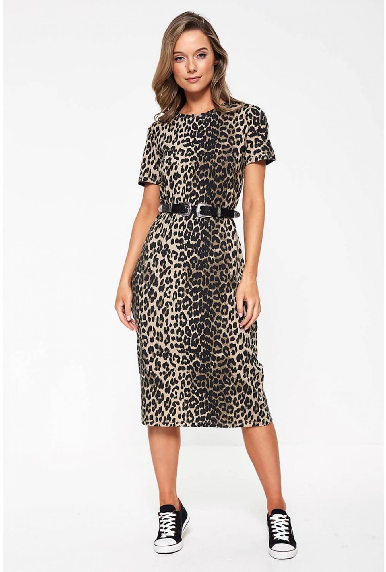 f033a61118 Gava Short Sleeve Midi Dress in Animal Print