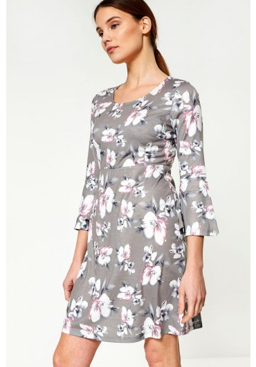 a54a027c142 Elaine Long Sleeve Dress in Floral Print ...