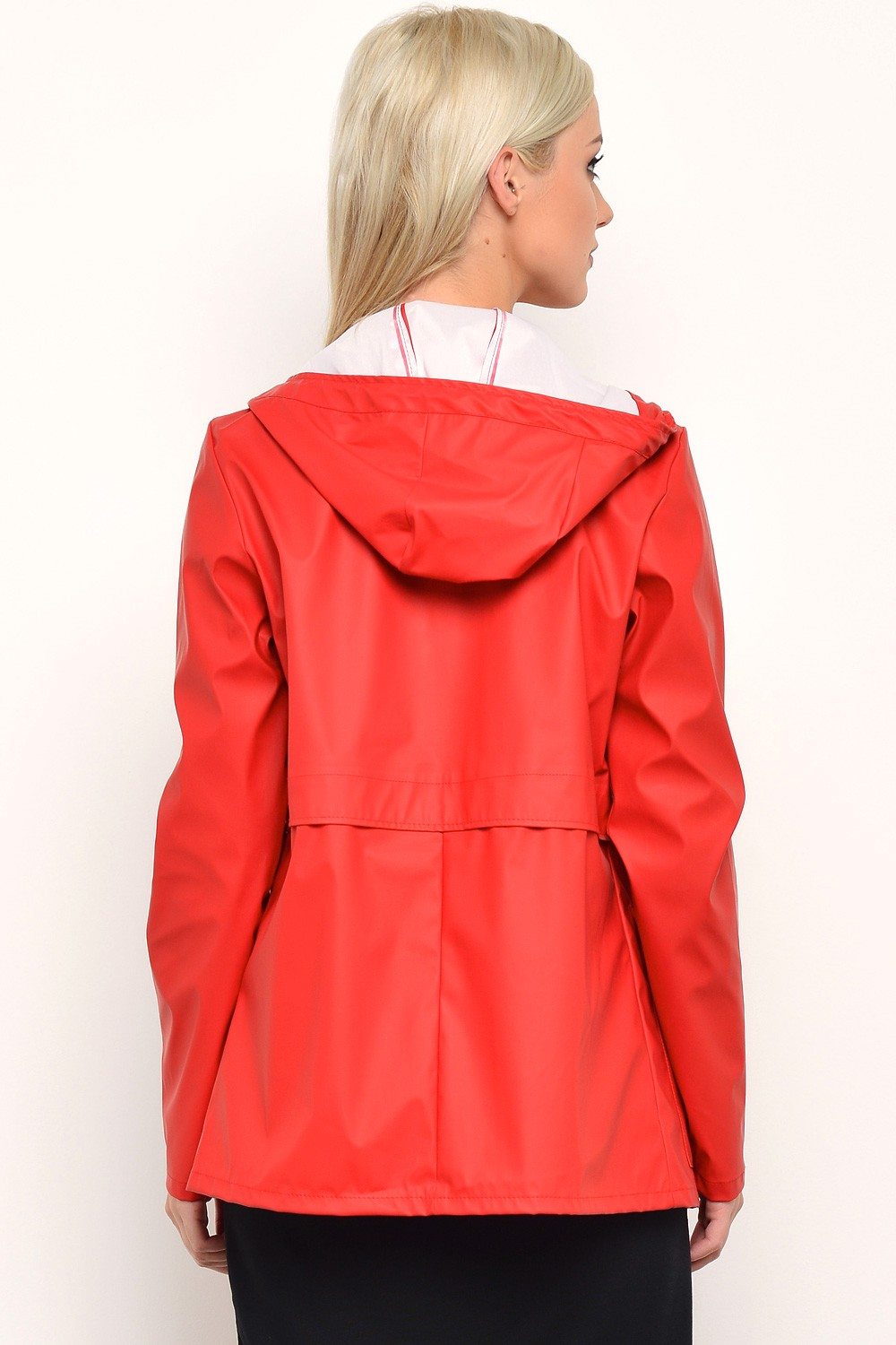 Train Short Raincoat in Samba