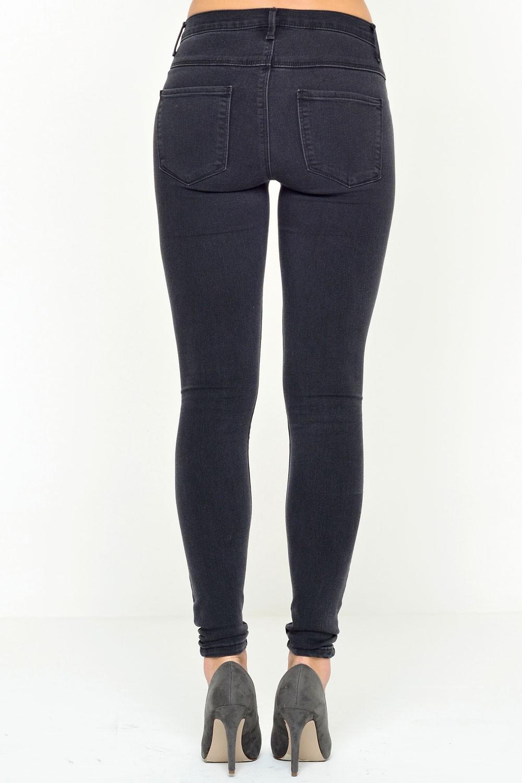 Rain Short Skinny Jeans in Grey