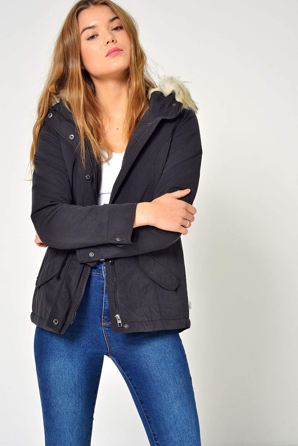 Only Lucca Short Parka in Black | iCLOTHING