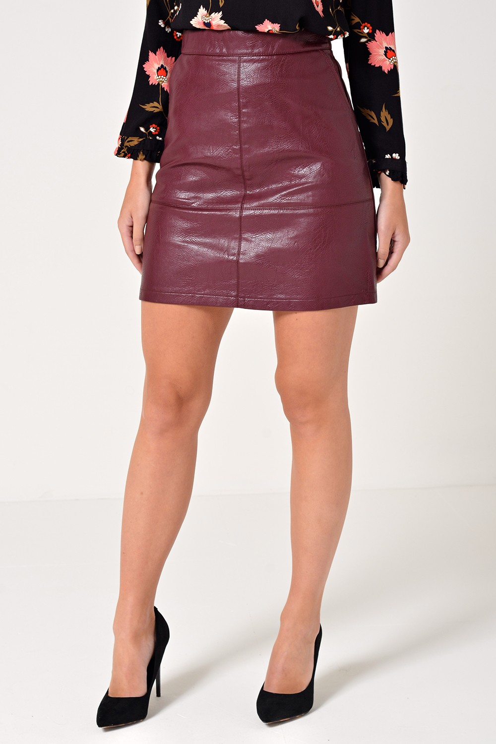 Only Lisa Faux Leather Skirt in Wine | iCLOTHING