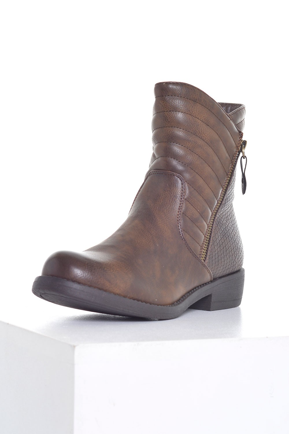 season d niamh fur lined boots in brown iclothing