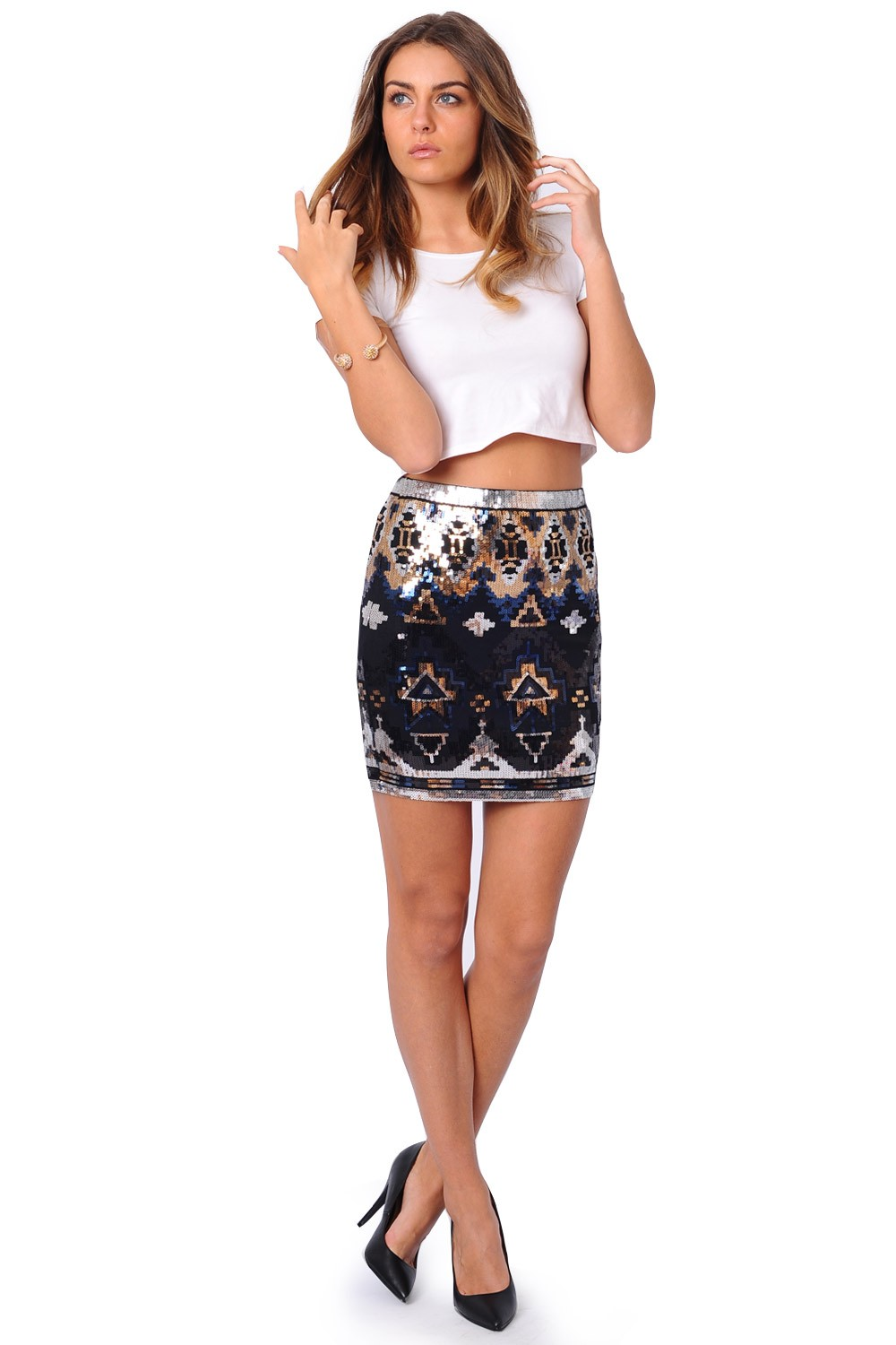 Sequins can decorate mini skirts, mid-length skirts, mid-calf length skirts and maxi skirts. Thusly, the selection of fabrics are vast, because with a flowing, looser style cheap sequin skirt, you have the opportunity to use lighter weight fabrics like % cotton, rayon, chiffon, linen, satin, silk, wool and tweed.
