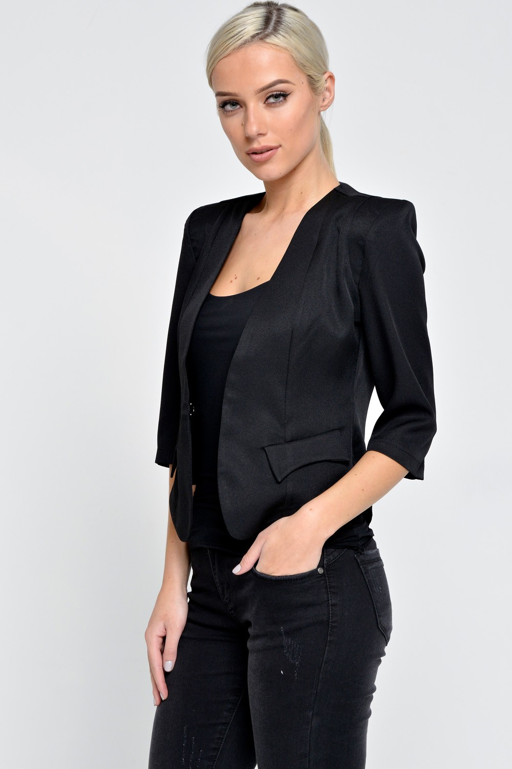 Competitive Black ONE SIZE Blazers online, Gamiss offers you Cropped Buttoned Blazer at $, we also offer Wholesale service. Cheap Fashion online retailer providing customers trendy and stylish clothing including different categories such as dresses, tops, swimwear.