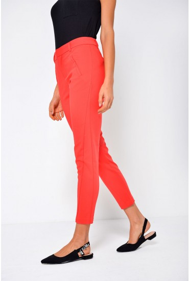 Victoria Short Ankle pants in Red