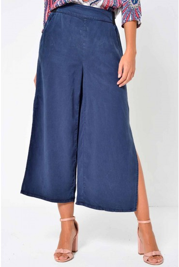 Joannes Cropped Pants in Navy