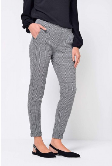 Delicious Check Pant in Black