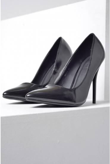 Mia Pointed Court Shoe in Black