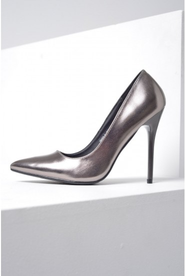 Mia Pointed Court Shoe in Silver