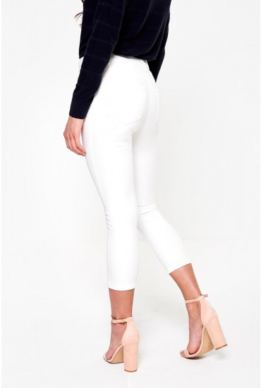 Lucy Cropped Petite Jeans in White