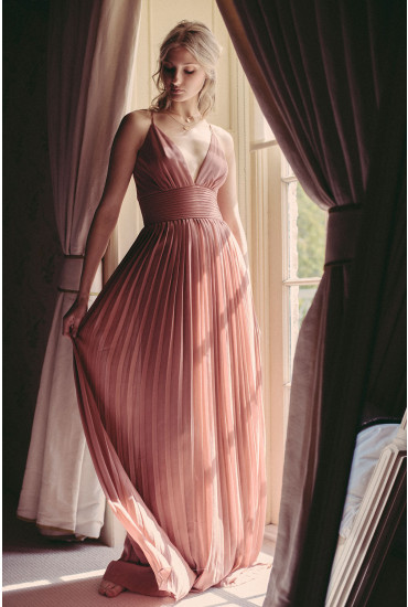 Donna Pleated Maxi Dress in Dusky Pink