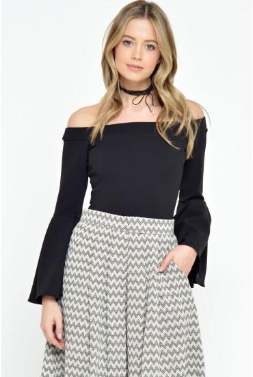 Sandy Frill Sleeve Bodysuit in Black