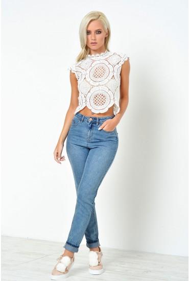 Donna Medium Length Mom Jeans in Light Blue