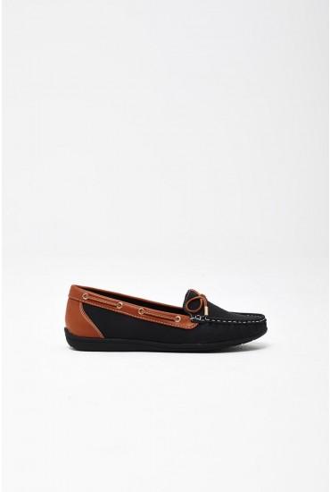 Emma Boat Shoes in Black