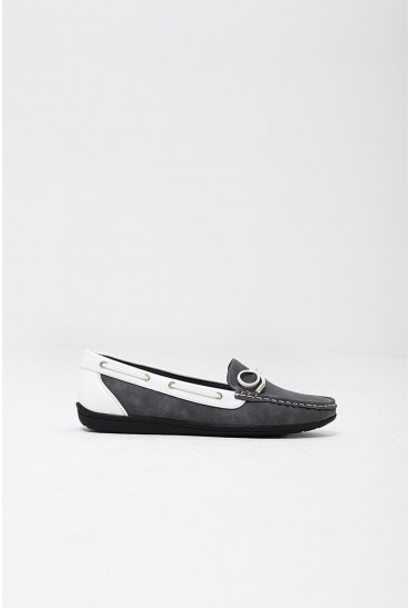 Emma Boat Shoes in Grey