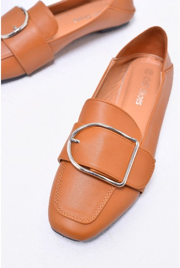 Tory Loafer Shoes in Camel