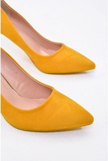 Sydney Pointed Suede Court Shoe in Yellow