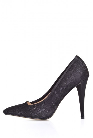Gracie Lace Court Shoe in Black