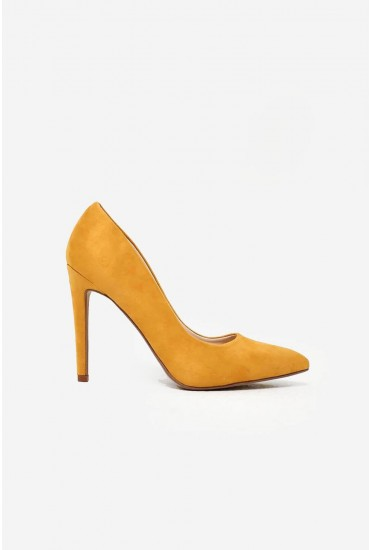 Lottie Court Shoe in Yellow Suede