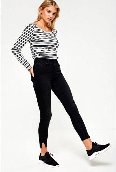 Delly Slit Hem Jeans in Black