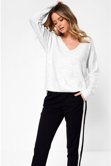 Drea V Neck Pullover in Off White
